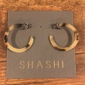 Shashi circle acrylic tortoise pattern earrings